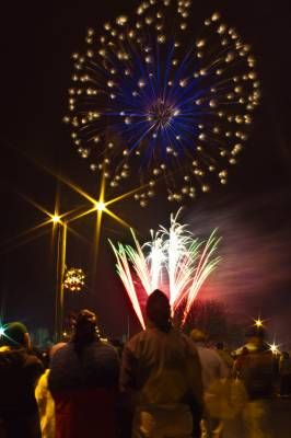Parkville Mo Christmas On The River 2020 Christmas on the River | Fireworks show, River, Upcoming events