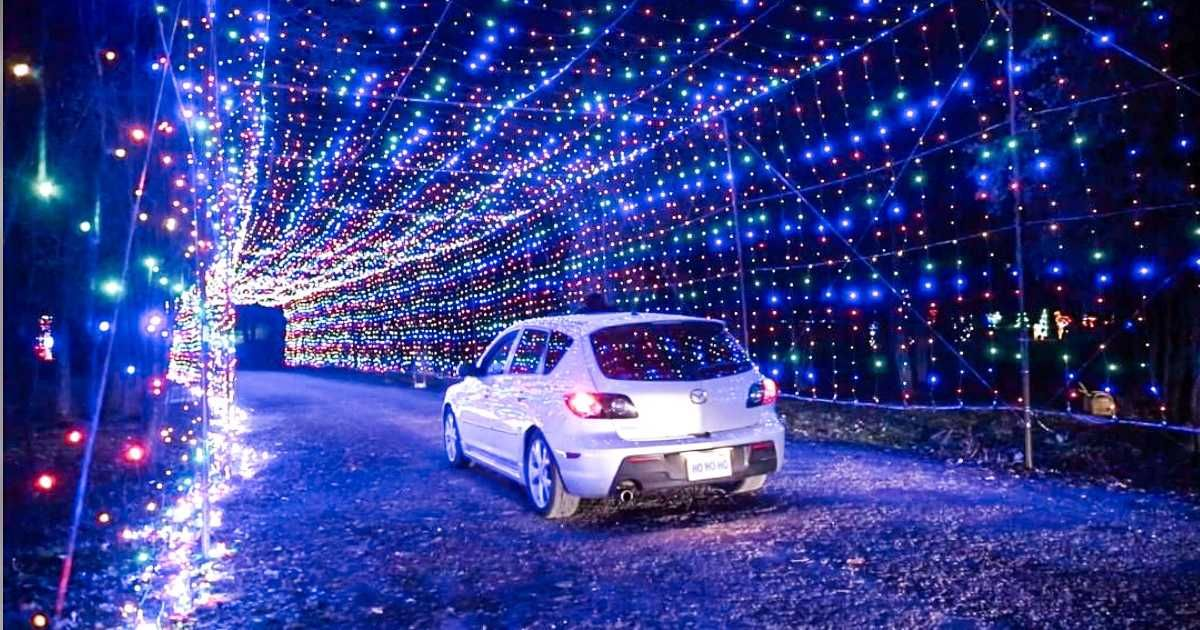 A Massive 2 km Light Display Near Toronto Has 2 Twinkling