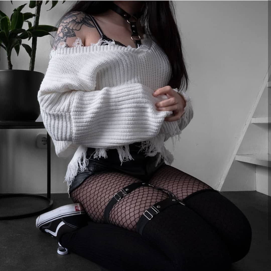 """Photo of to be honest im gRUNGE on Instagram: """"Omg white actually looks good sometimes wow . . . . . . #grunge #fashion #gothgirl #gothfashion #grungefashion #grungeclothes #fashionista…"""""""