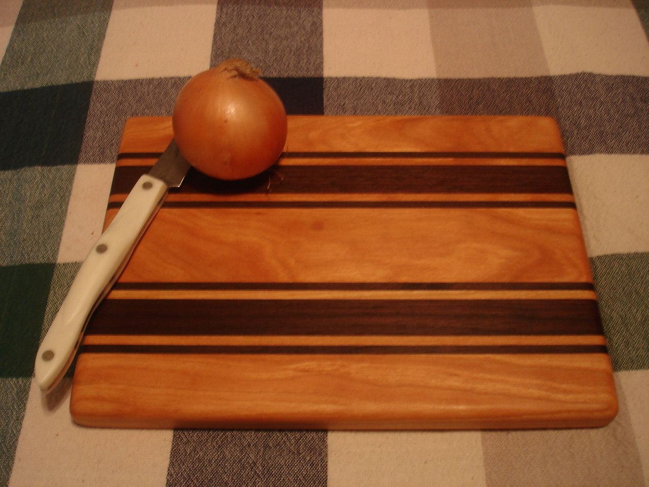 Cabin Series Cutting Board - Cherry & Walnut