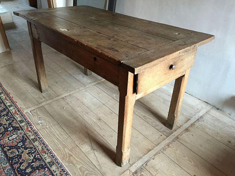 ancienne table de ferme ou gibier est en vente sur notre brocante en ligne par le chat rouge. Black Bedroom Furniture Sets. Home Design Ideas