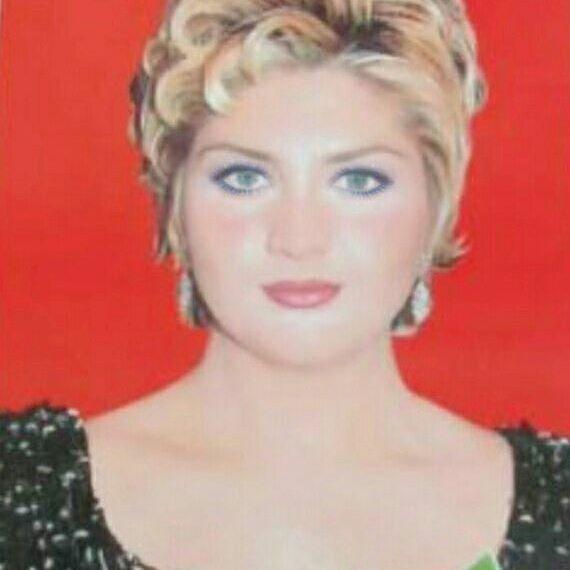 Sibel Can Sibelcan Denizgozlum Tasbebek Star Kralice