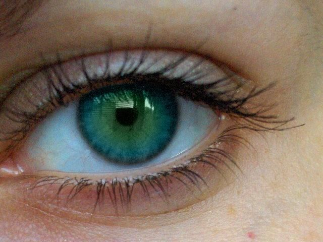 Blue-green sea eyes. So pretty! | Gorgeous Photography ...