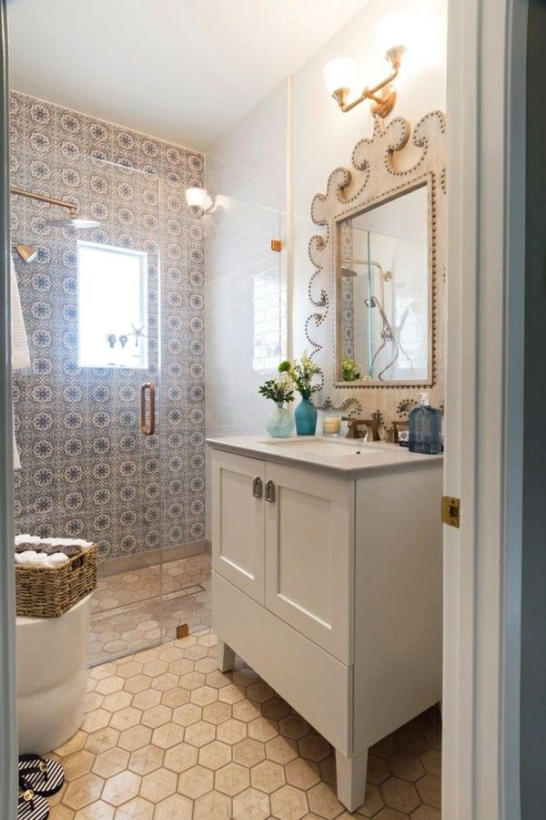 kleines Bad großartig gestalteter Spiegel auffälliger Rahmen - kleines badezimmer mit dusche