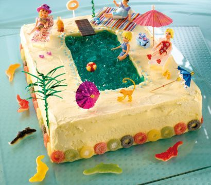 summer cake with swimmingpool sommertorte mit