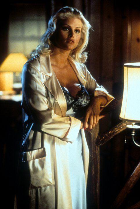 anna-nicole-smith-naked-movie-scene