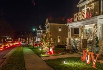 Mcadenville Christmas Lights.Mcadenville U S A Mcadenville Is Famous For The