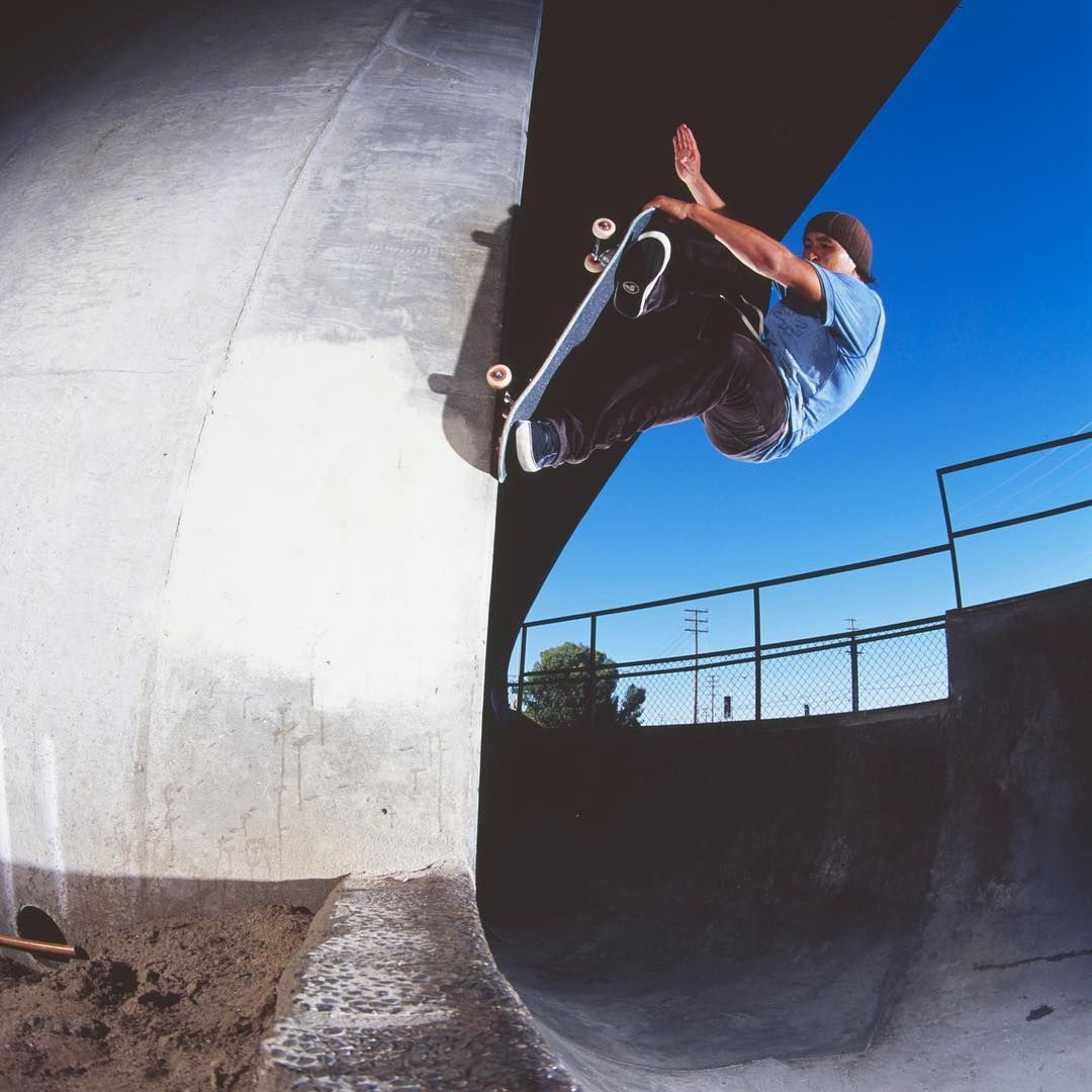 N Honor Of The Soty Being Announced Here S Daewon Song Who Was Also Crowned By Thrasher In 2006 Doing A Crail Fakie 50 Daewon Song Skateboard Photos Thrasher