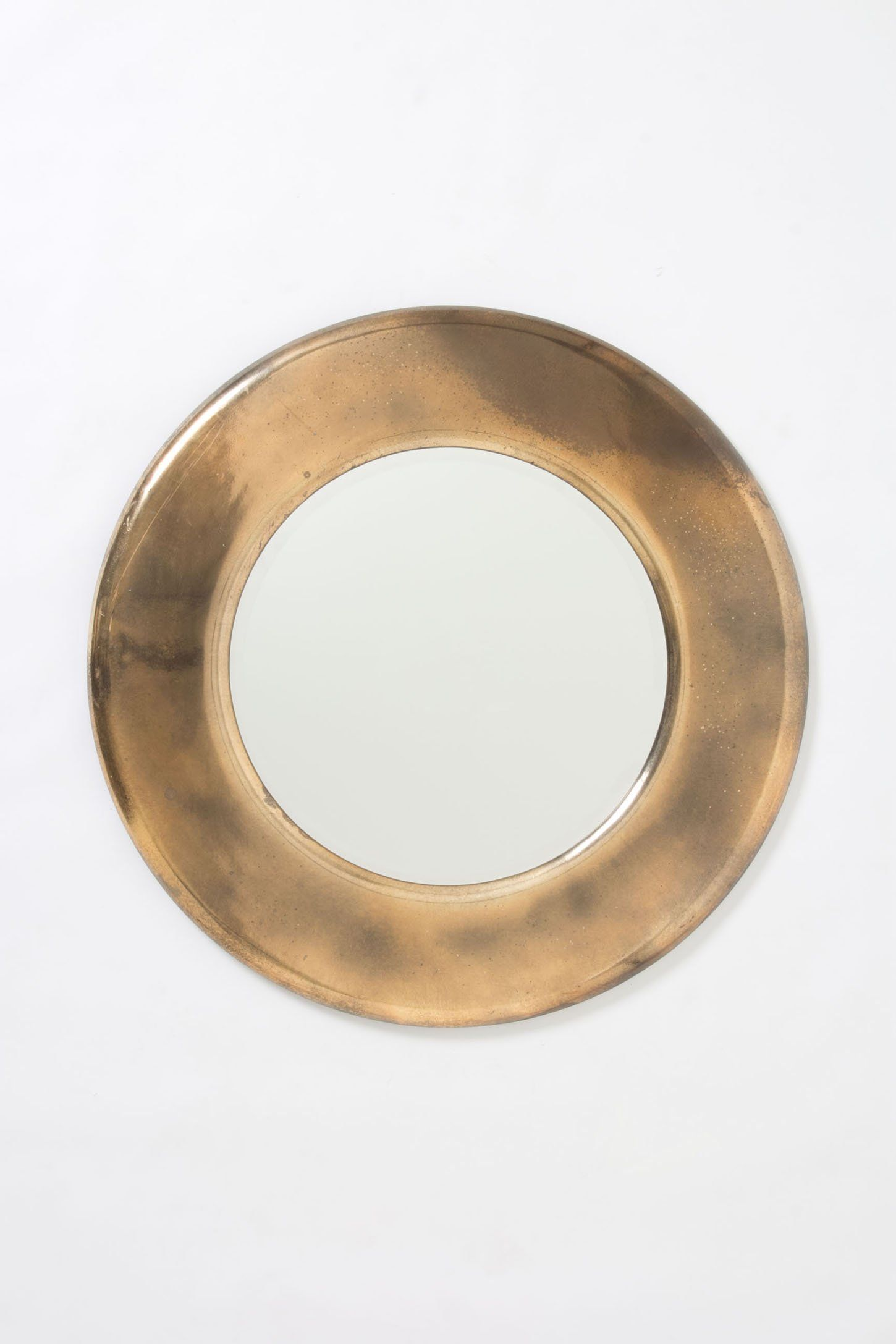 Antiqued Round Mirror Messing