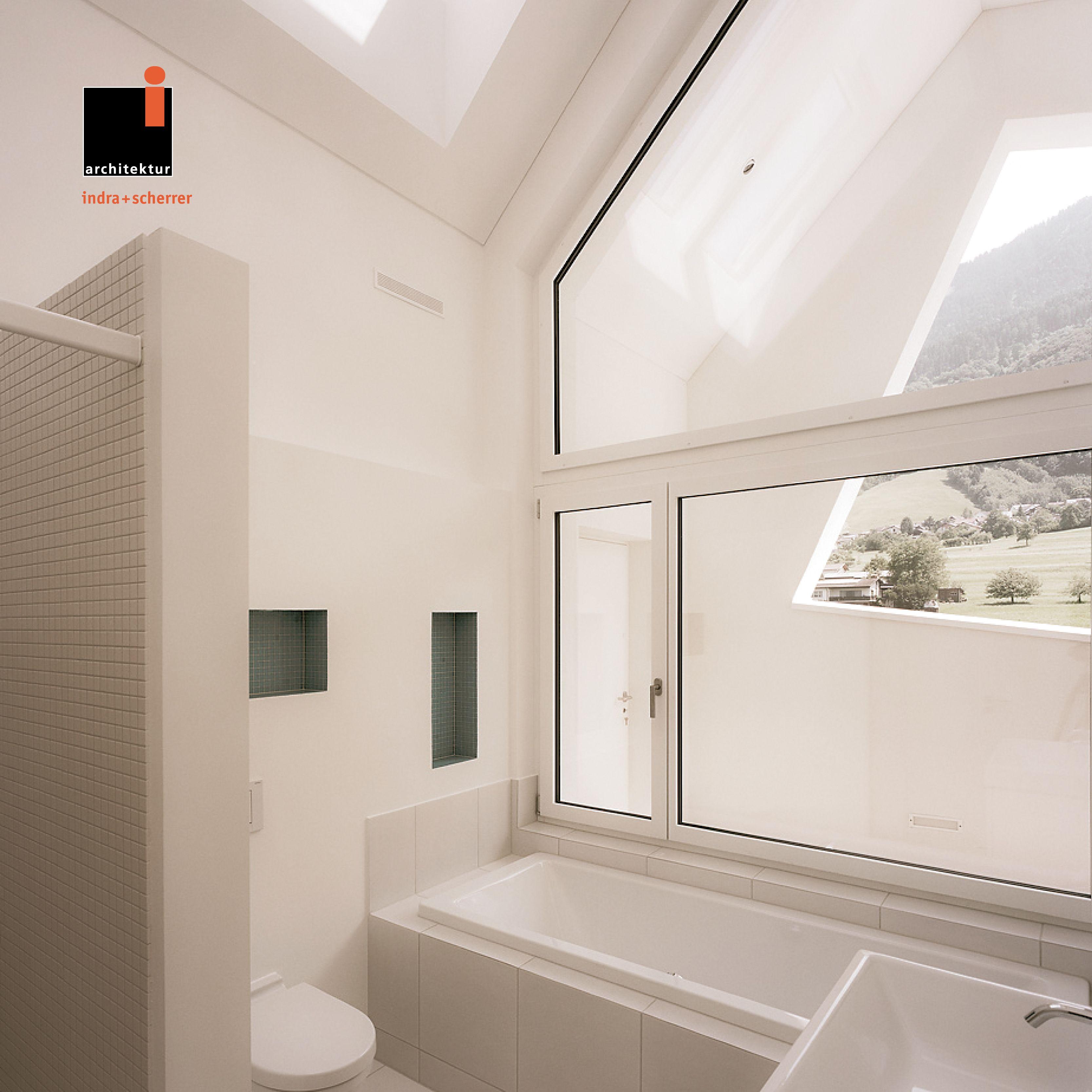 #indrascherrer #architecturephotography #architecturedesign #appartmentdesign #topfloor #topfloordesign #bathroom #interiordesign #bathroomview #deconstructivism