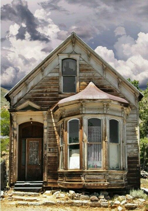 pin by haleigh stallworth on abandoned beauty old abandoned houses rh pinterest com