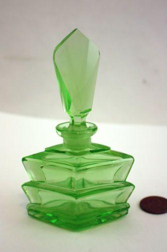 Old Antique Vintage DECO Green Crystal Cut Glass Vanity Perfume Bottle 1920's