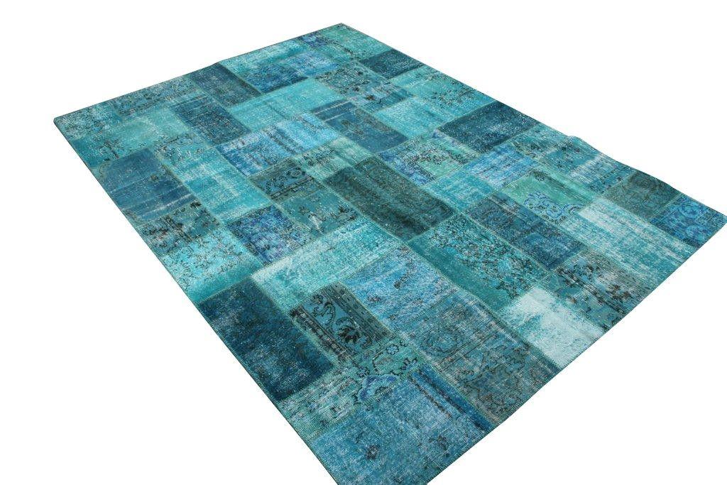 patchwork cowhide rugs hide rugs. Black Bedroom Furniture Sets. Home Design Ideas