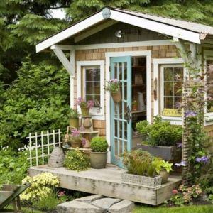 30 Bilder von süßen Gartenhäuschen, die Sie begeistern