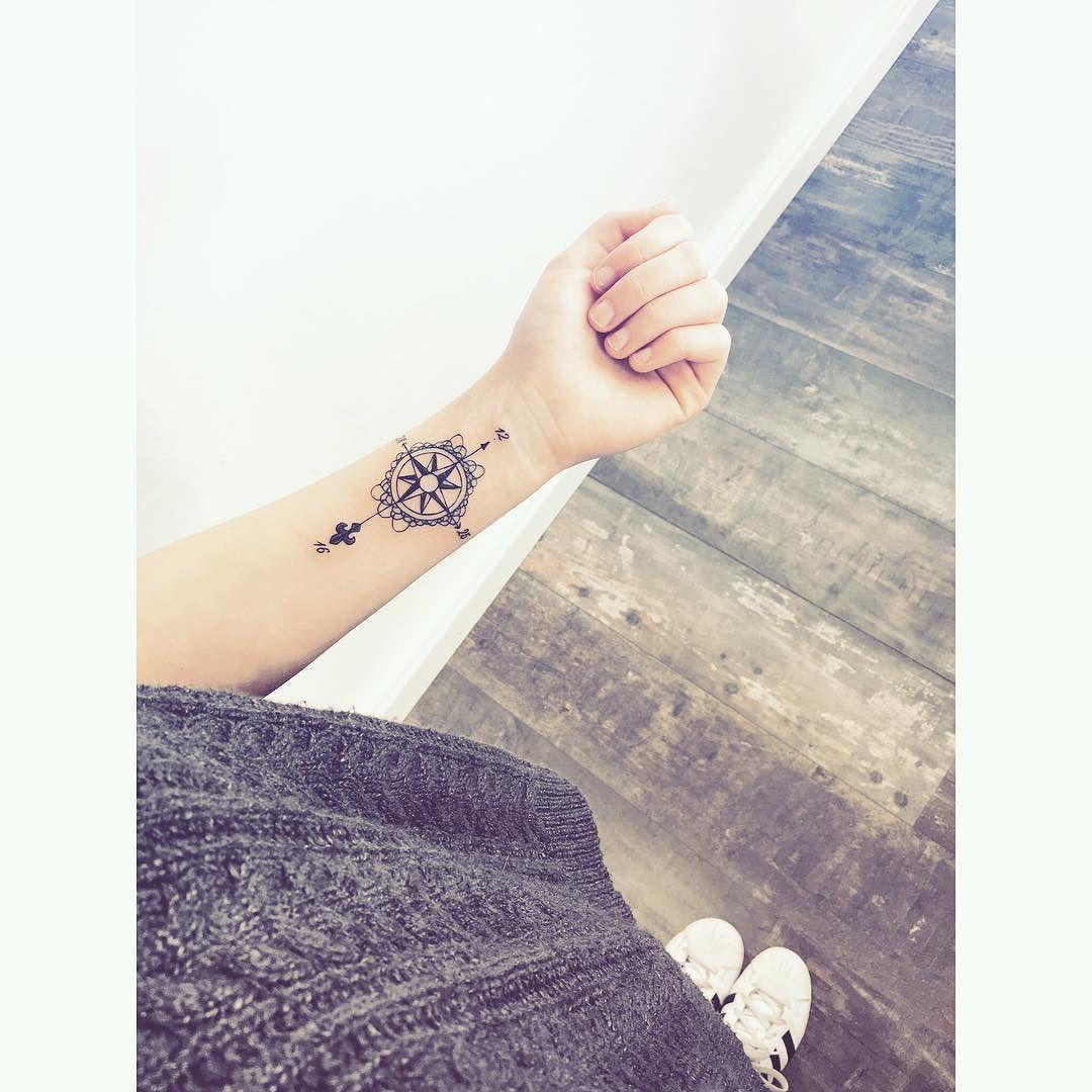 Carlizza Romain Annecyink Rose Des Vents Tattoo Tattoos