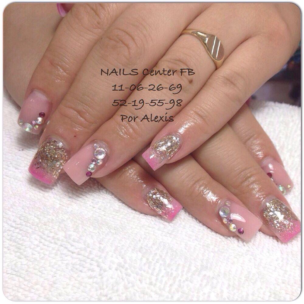 trabajo del equipo nails center fb uas acrlico de tonos rosas y dorado sobre tip