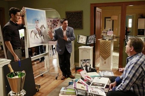 "Modern Family RECAP 10/23/13: Season 5 Episode 6 ""The Help""  #ModernFamily #TV"