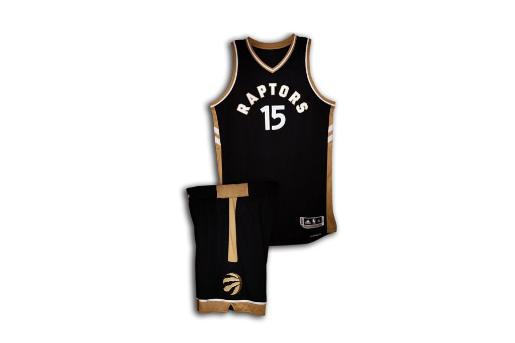 premium selection 638a2 bdebe Drake Unveiled the Raptors' OVO-Themed 2015-16 NBA Jersey ...