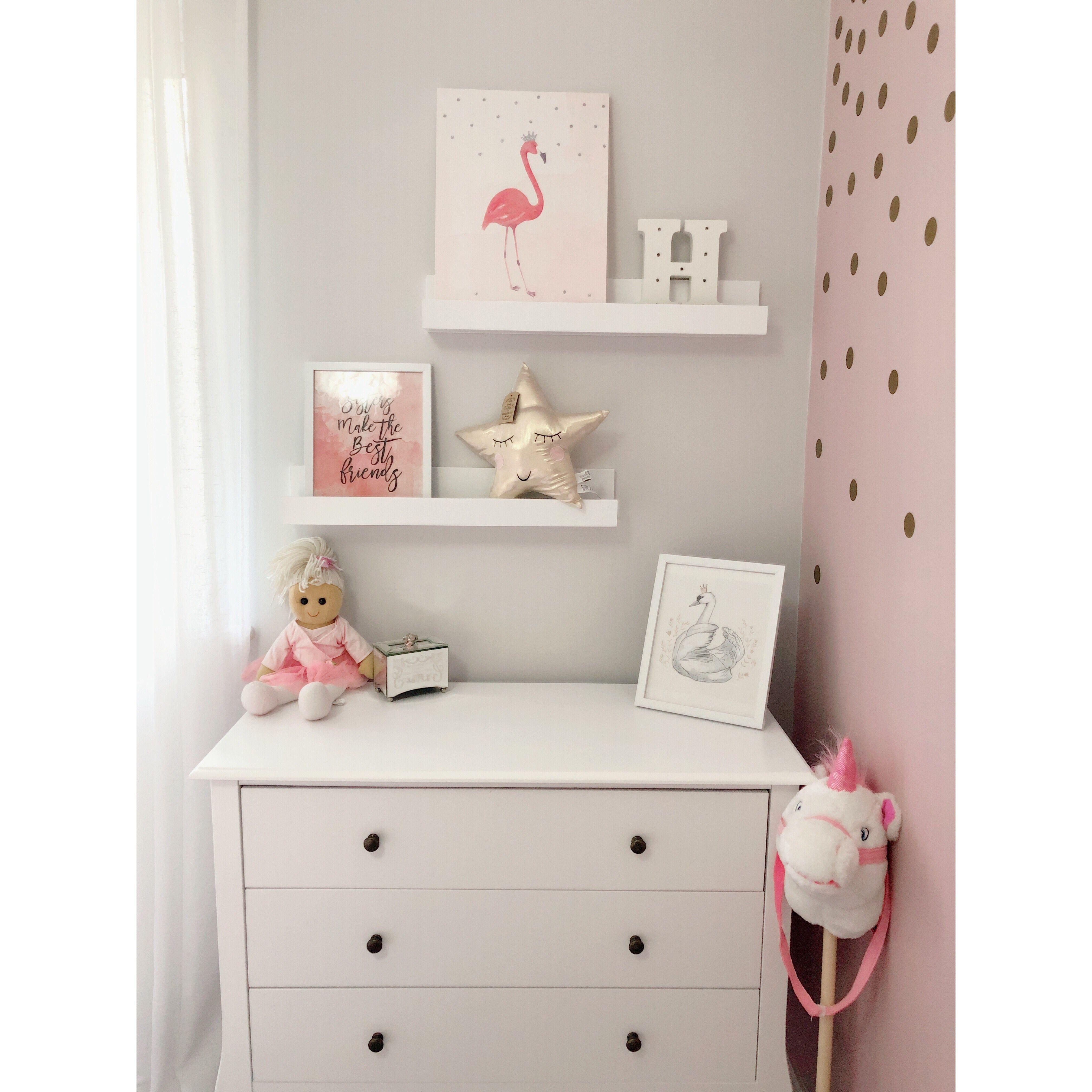 shelfie polkadot girlsbedroom Twin baby rooms, Girl
