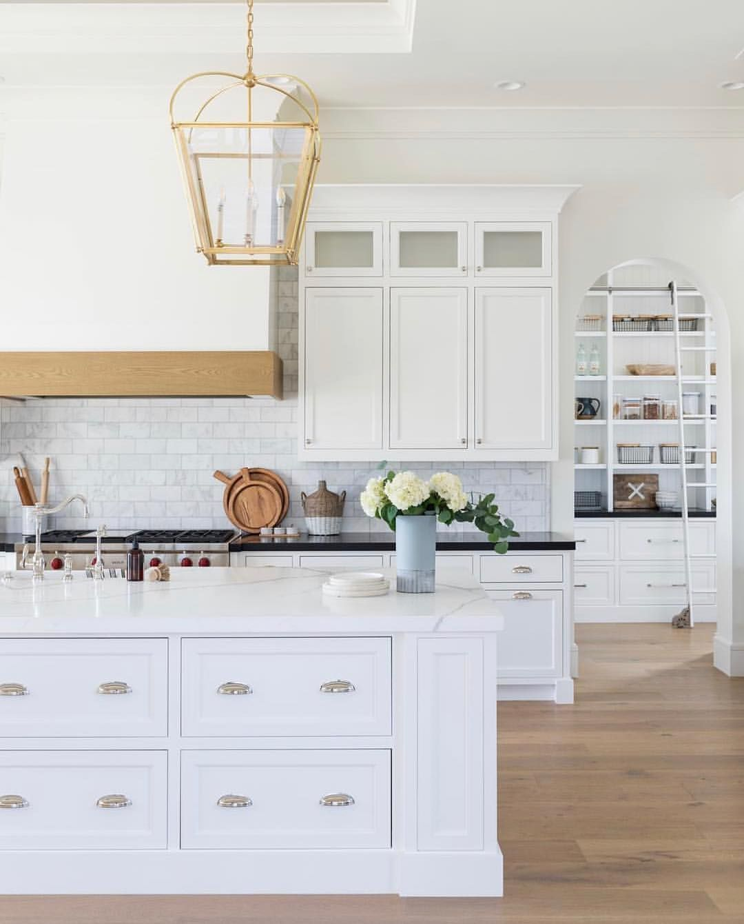 𝑺𝒖𝒔𝒂𝒏𝒏𝒂 on instagram ucmy oh my how about this kitchen