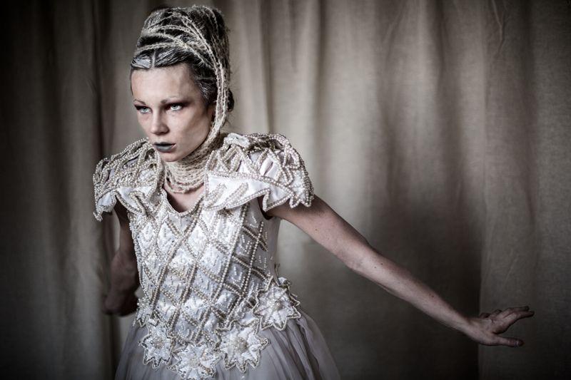 Tiny white dancer. Natalia Kalinowska by Alessandro Migliardi #fashion #woman #photo #photography