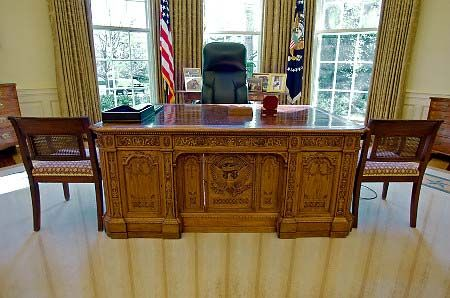 oval office chair. The Resolute Desk In Oval Office Chair P