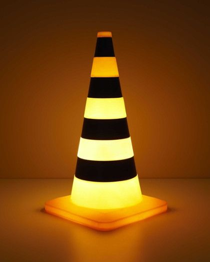 Traffic Cone Lamp Add This Fun Light Up Traffic Cone To The List Of Things Budding Builders Love Decoracao De Casa Moveis De Paletes Decoracao