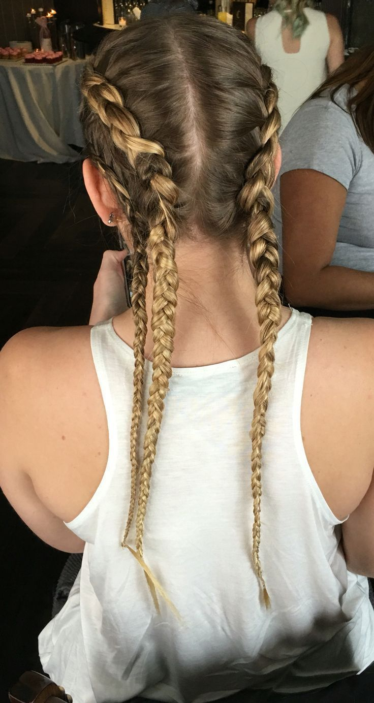 Can't get enough of @darlingonadollar, just as sweet as she is pretty! A tutorial for this will be coming soon. Color by @emmas_parlour. #hairandmakeupbysteph #boxer Braids paso a paso