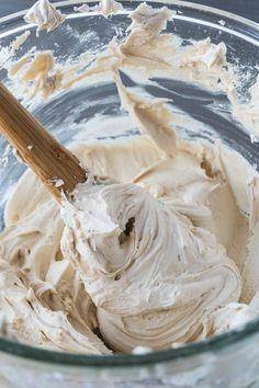 Brown Sugar Buttercream #cupcakefrostingtips