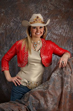Amy Wilson Miss Rodeo America 2008 Is Wearing A Red