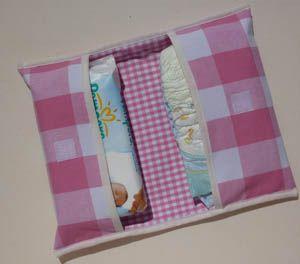 Bébé : pochette à couches