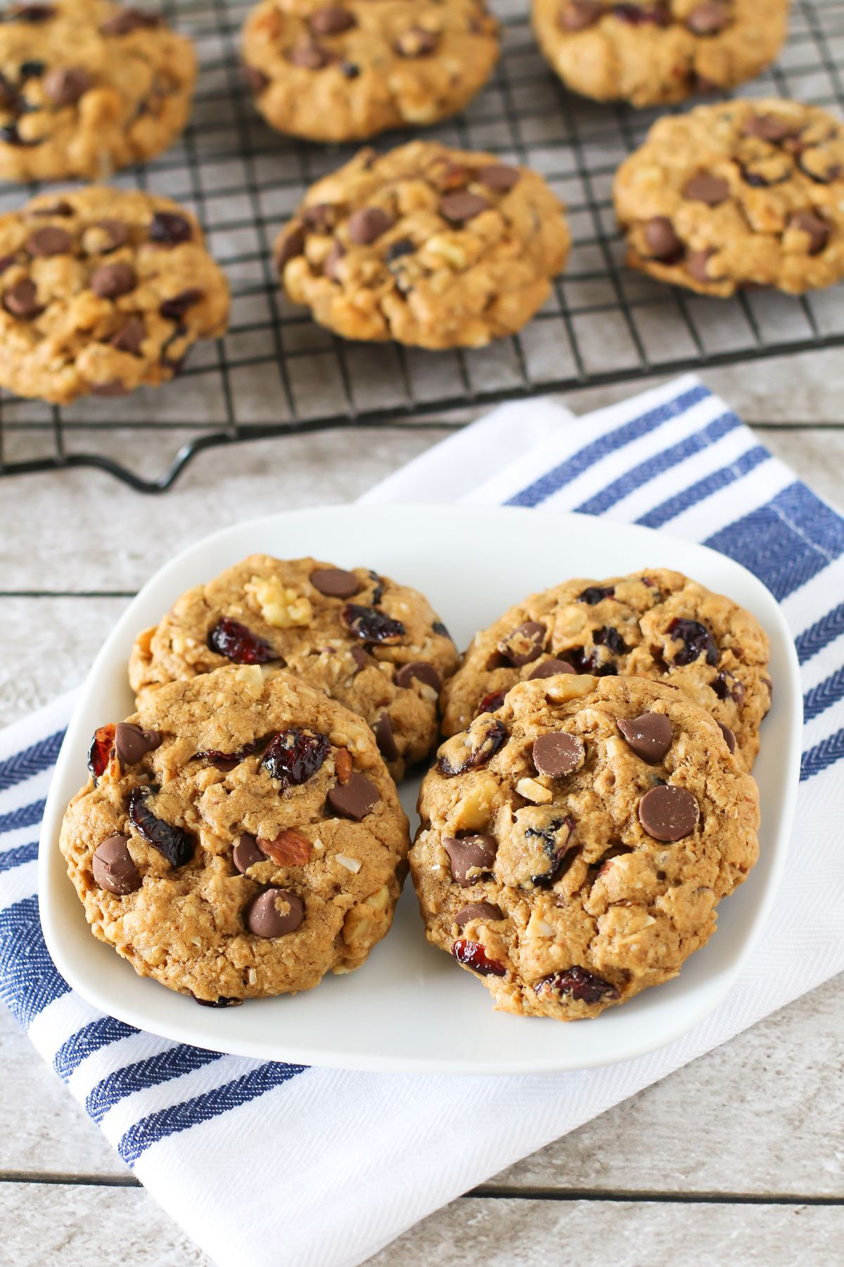 Vegan Oatmeal Chocolate Chip Cookies Fit Mitten Kitchen Recipe In 2020 Oatmeal Chocolate Chip Cookies Vegan Oatmeal Chocolate Chip Cookies Dairy Free Recipes Easy