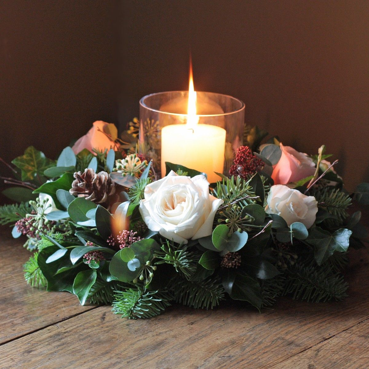 The Real Flower Company Scented Woodland Christmas Table