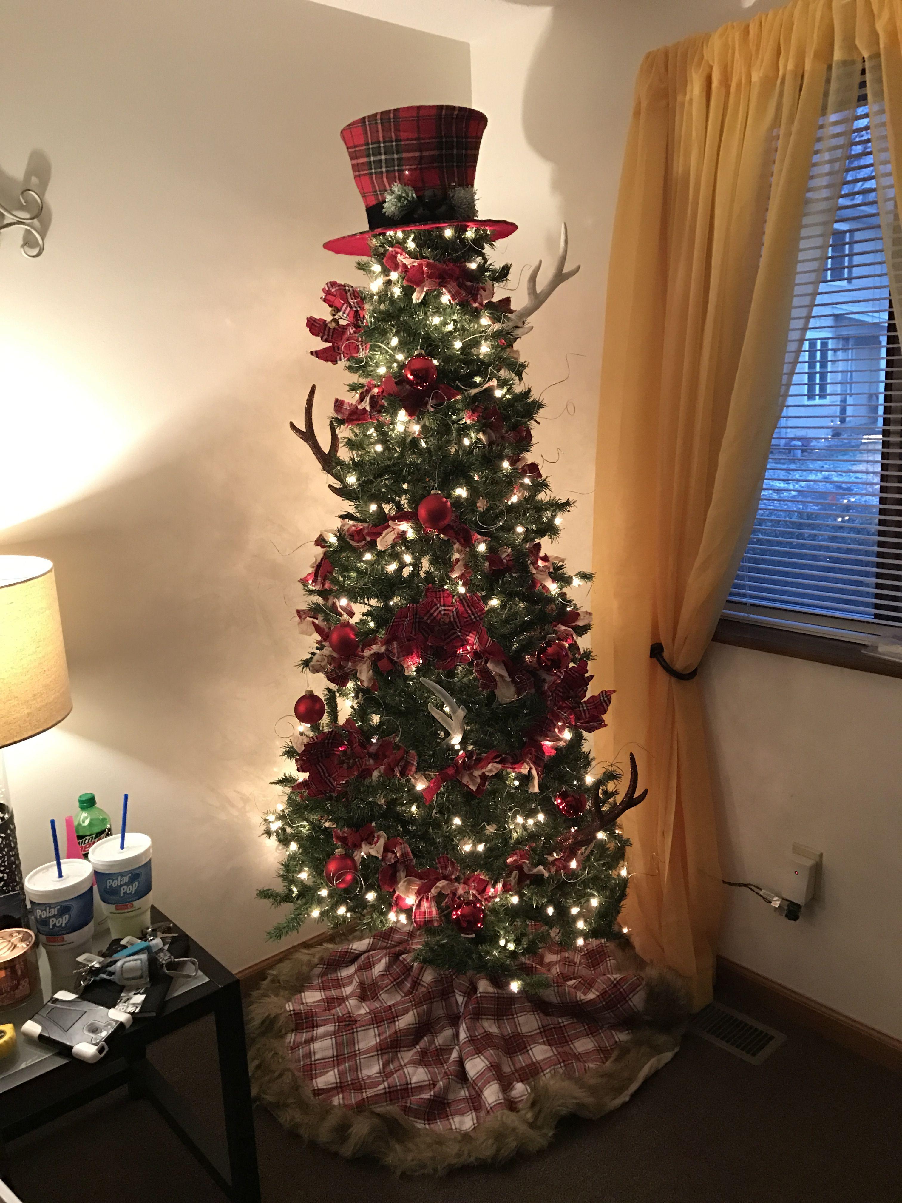 MY CHRISTMAS TREE THIS YEAR! I think I did a pretty good job!