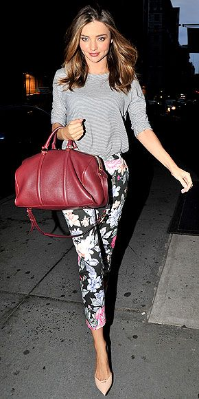 Miranda Kerr pulls off another pretty and fun combination with this cropped floral pants, gray stripped top, nude d'Orsay heels, and cranberry Louis Vuitton. 생방송바카라SUN330.COM 생방송바카라생방송바카라 SUN330.COM 생방송바카라생방송바카라 SUN330.COM 생방송바카라
