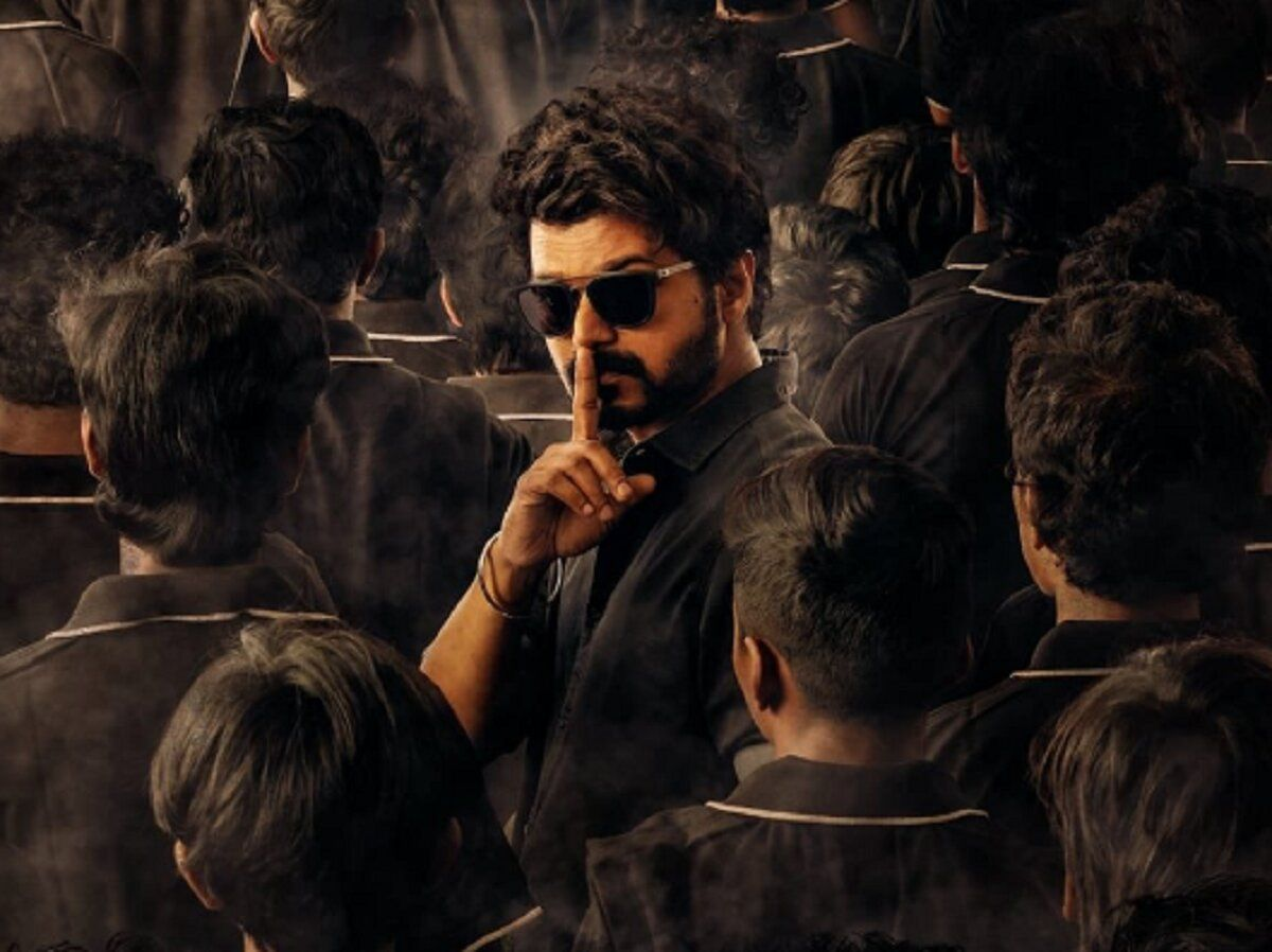 Master Twitter Review Thalapathy Vijay Film Creates Storm At Theatres In 2021 Movies Thriller Movies Master