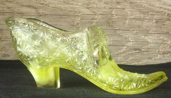 Vintage Fenton Yellow Bow Tie Glass Slipper Very Similar To What I Am Finding In My Grandmas Apartment Glass