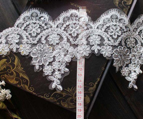 Wunderschöne Vintage Perlen bestickt Spitzen, Blumen Tüll Spitze ...