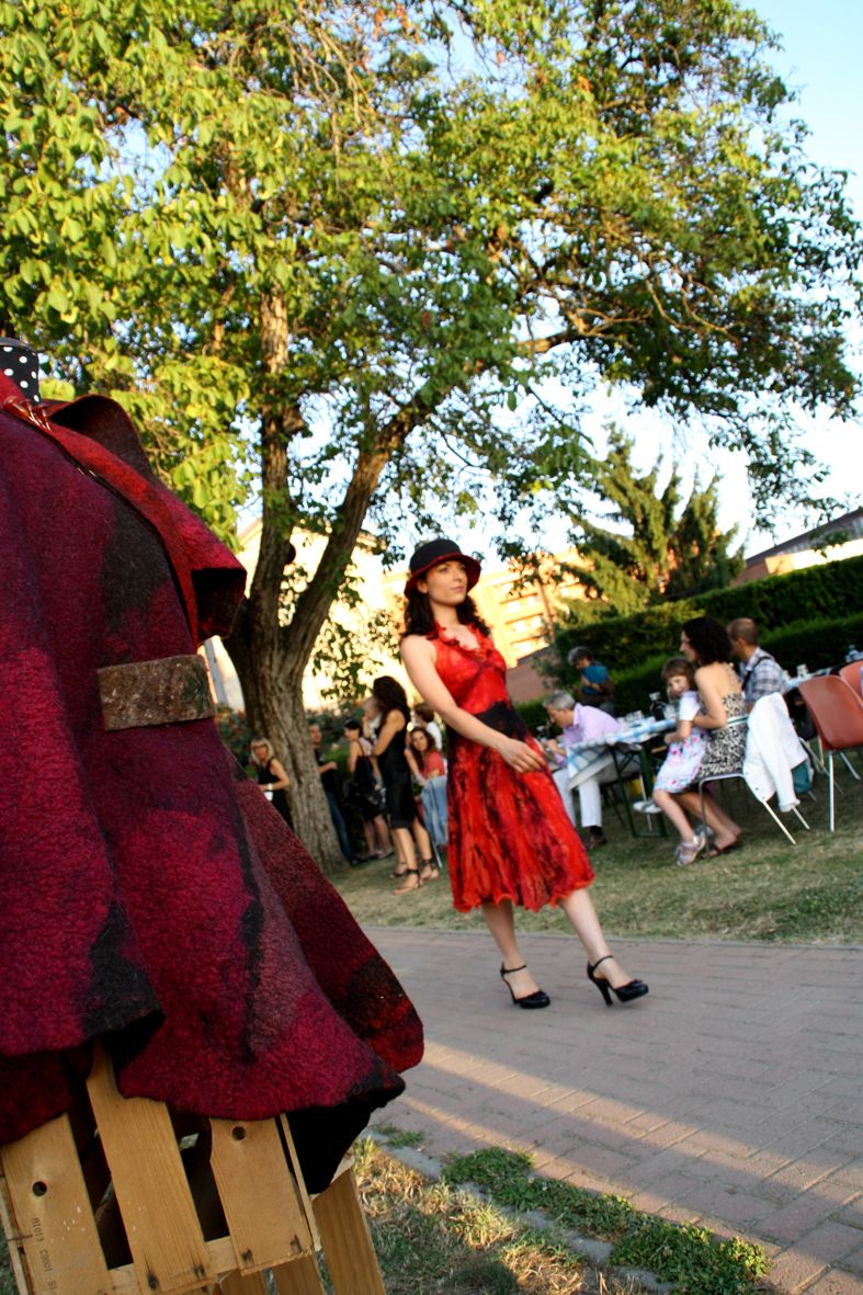 Red dress on the catwalk! https://www.facebook.com/pages/Etranger-styling/126210714102792 #fashion #clothes #dyi