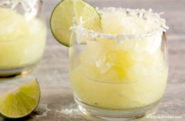 Coconut Lime Margarita Cocktail Recipe #limemargarita Coconut lime margarita recipe #limemargarita