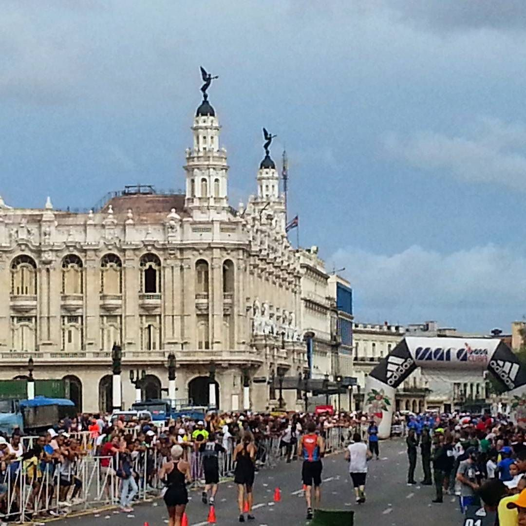 We just recently returned from Cuba after completing our first running vacation under our new division Marathon Escape Travel. It was a huge success! This is the finish line of the Marabana in central Havana. The building on the left is the restored Havana Theater. Runners had the choice of running either a marathon half-marathon or 10k. It was a truly memorable day! #unfiltered #purerunning #cuba #havana #habana #marabana #marathon #marathonescapetravel #finishing #cubana #havanamarabana…