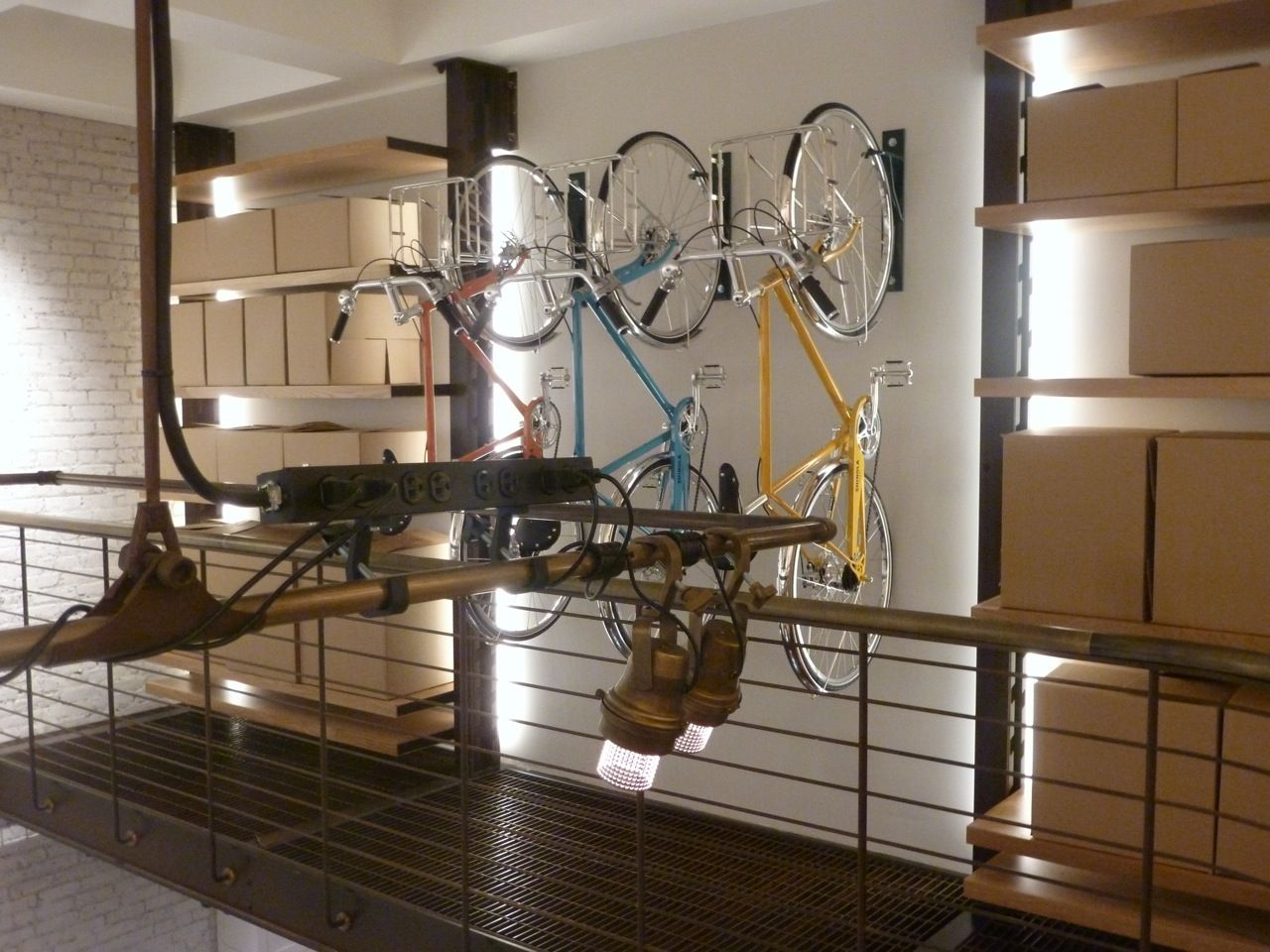 Wall-mounts for bicycles Shinola flagship store in NYC. & Wall-mounts for bicycles Shinola flagship store in NYC. | I Love ...