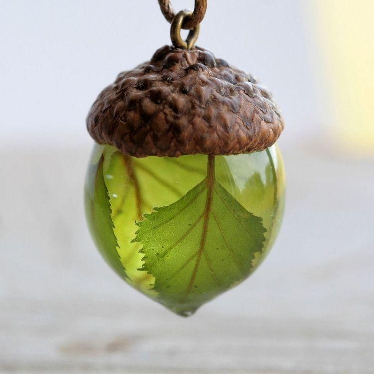 Pin By Eenhorntjemi On Oc In 2020 Acorn Necklace Resin Jewelry Botanical Jewelry