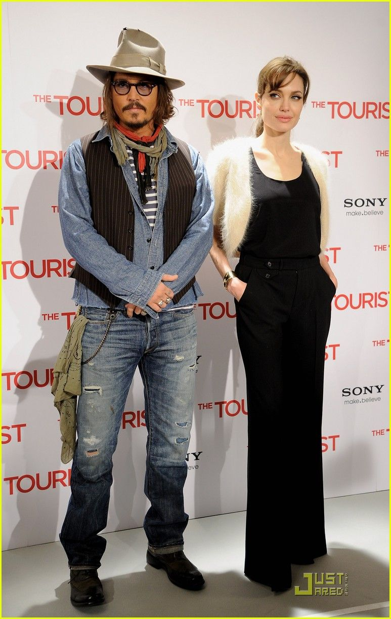 Angelina Jolie Johnny Depp Make It To Madrid Angelina Jolie Johnny Depp Make Madrid 26 Photo Johnny Depp Angelina Jolie Johnny Depp Johnny