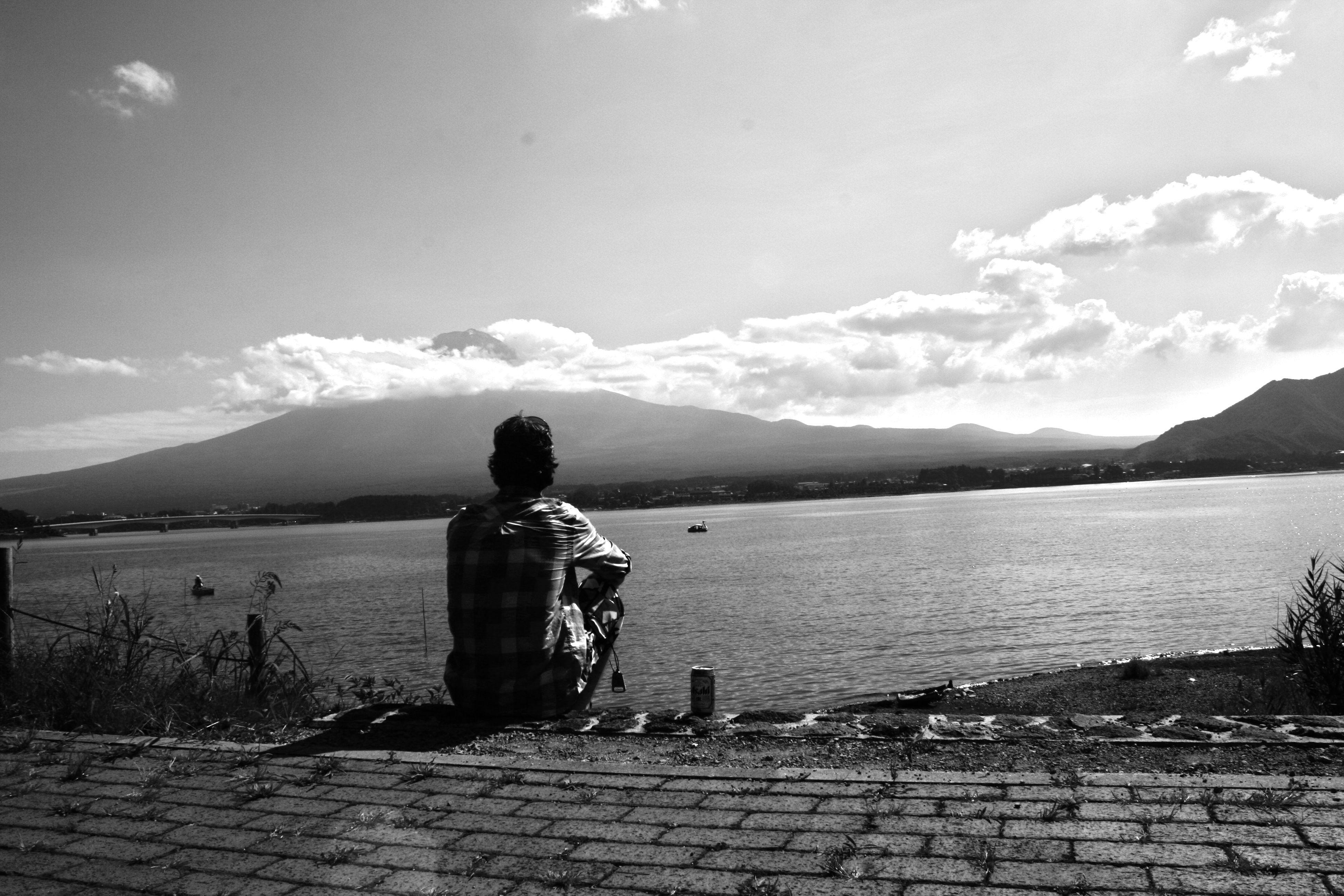 Facing Mount Fuji @ Kawaguchi.