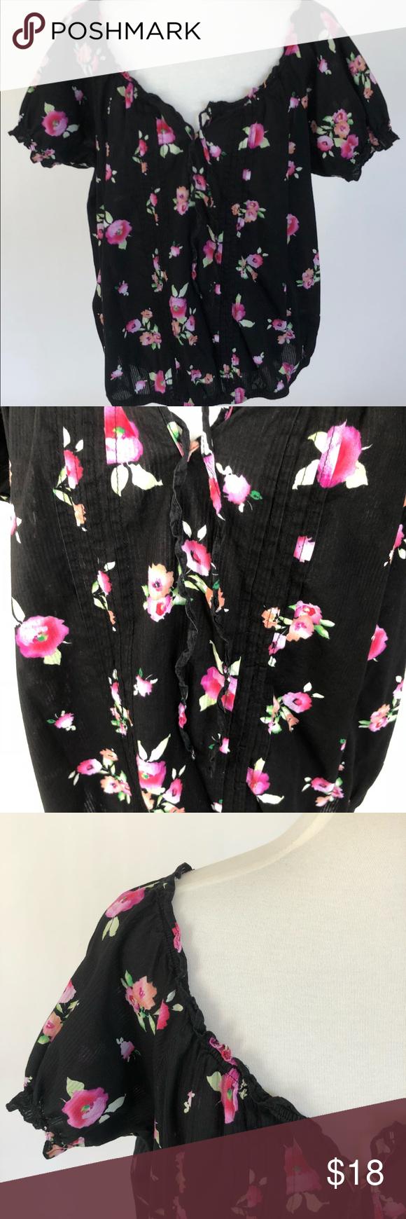 580dc290c867a Torrid Top Size 1 Black Roses Floral Elastic Hem