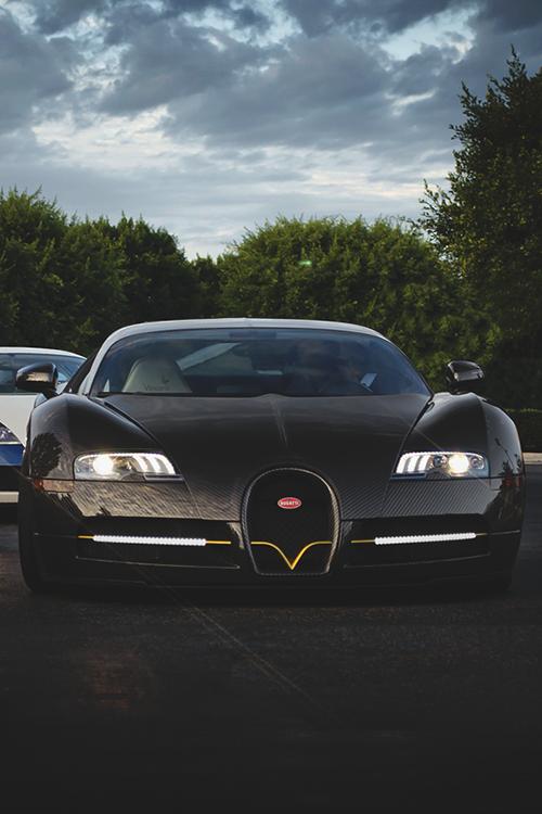 Bugatti Veyron ......