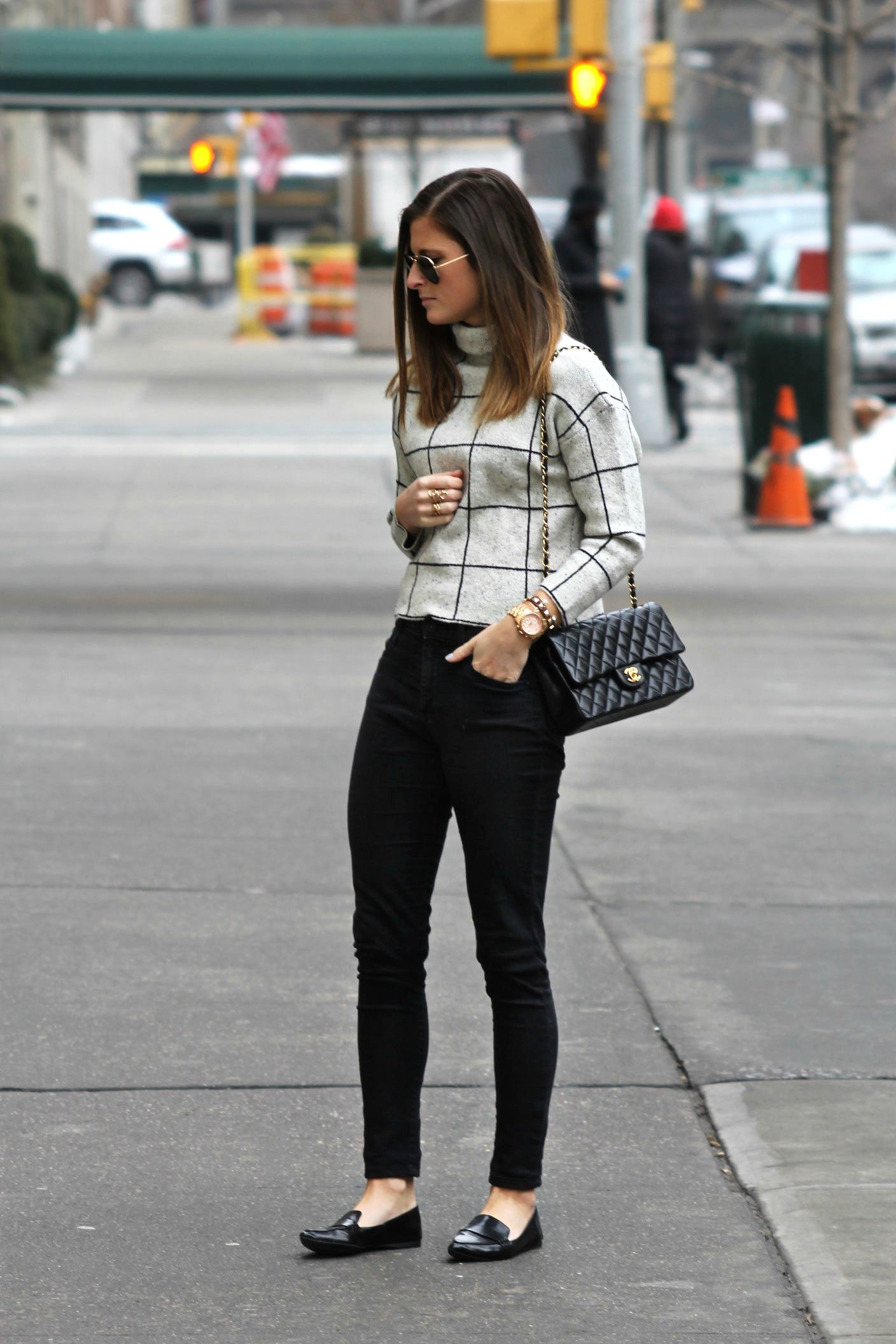 2b2c284fc55fc2 Grid System | inspirations | Chanel bag classic, Winter outfits ...