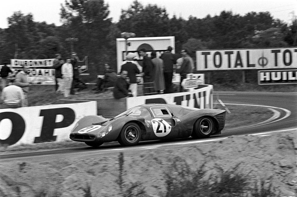 How Ford Beat Ferrari At Le Mans Le Mans Ferrari Racing Ferrari