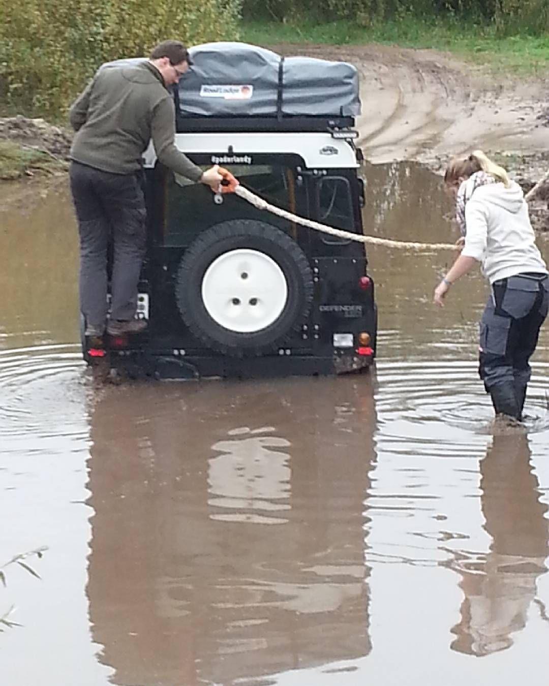 Land Rover Defender 90 Td5 Sw Se Camper Adventure Stuck in the middle